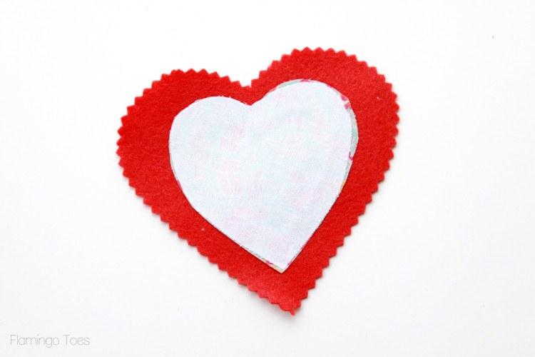 telas divinas-hacer corazones de tela