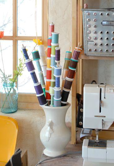 telas divinas-decorar con carretes de hilos-3