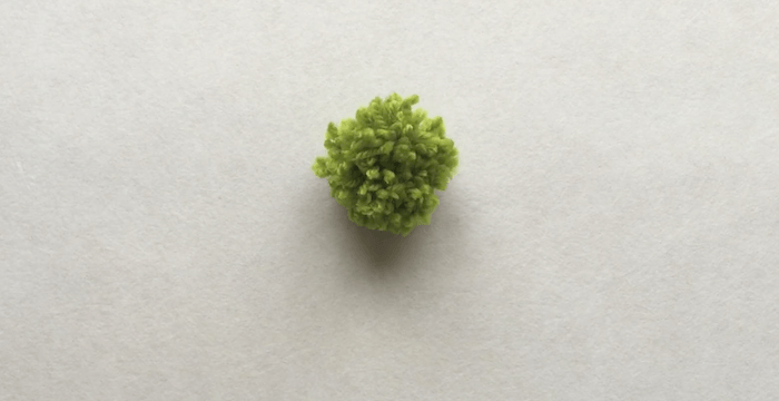 telas divinas-hacer pompones de lana-10