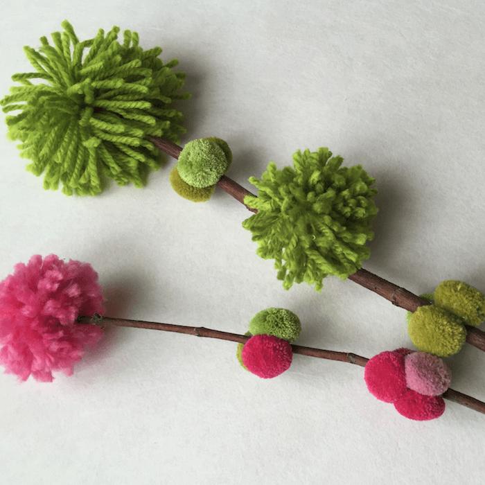 telas divinas-hacer pompones de lana.