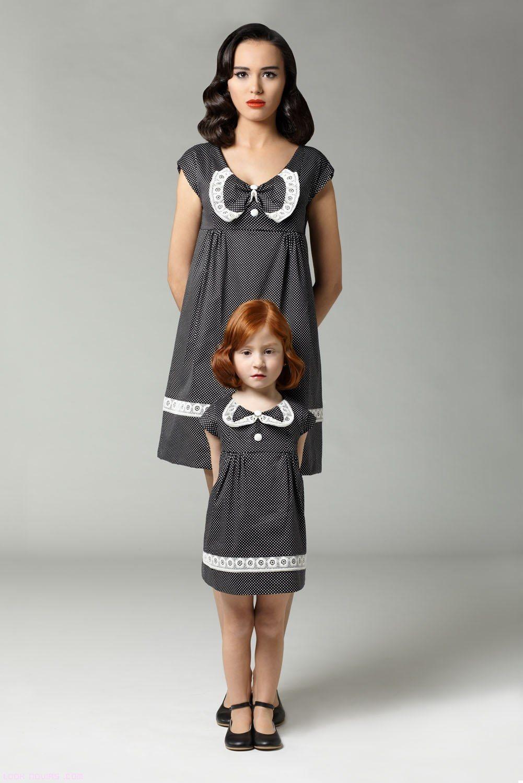 niñas vestidas como mamá