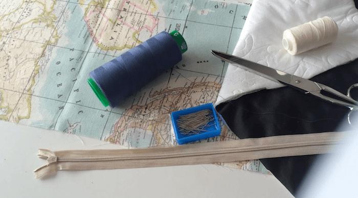 como hacer neceser con tela mapamundi