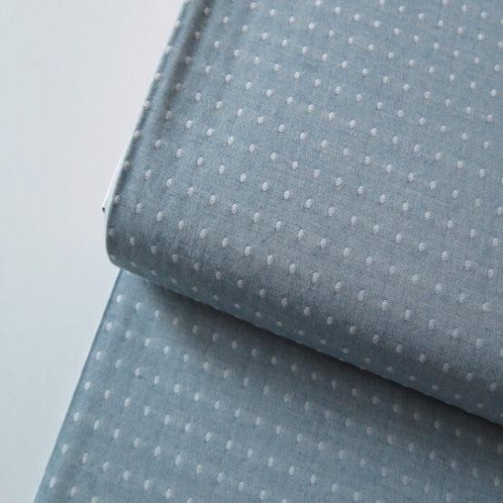 tela topos bordados azul