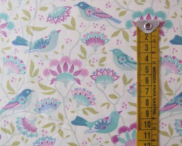 tela estampada tilda pájaros blanca