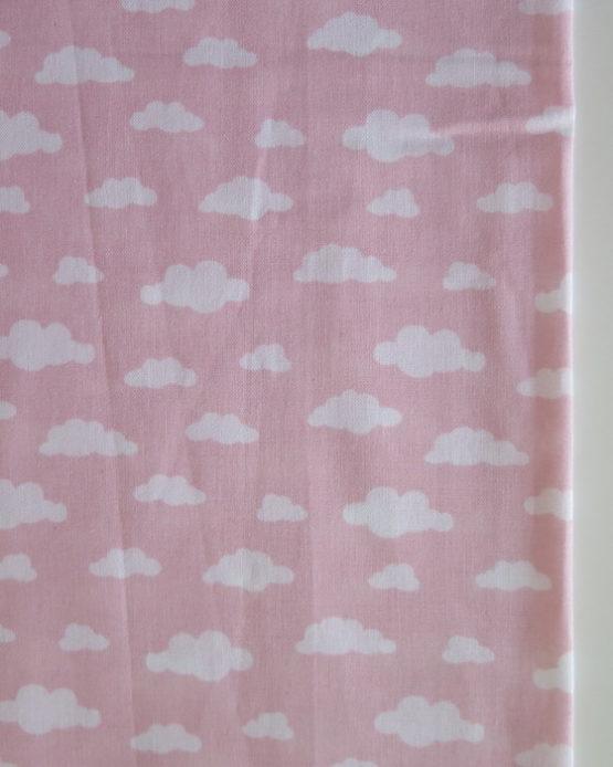tela infantil nubes