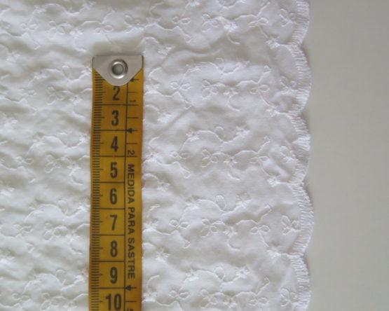 tela batista bordada blanca
