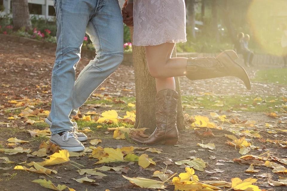 botas cowboy hechas de piel genuina